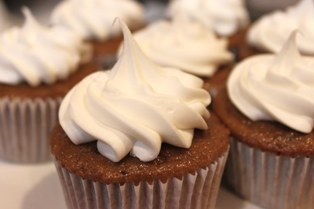 chocolate root beer cupcakes